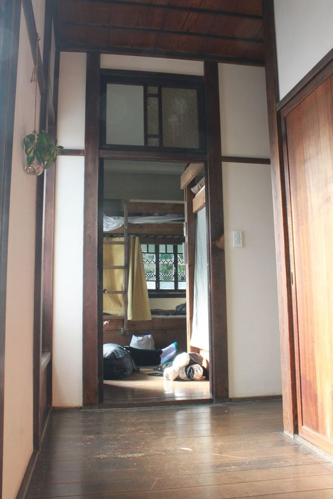 快適に宿泊できるよう改装された古民家の宿泊棟