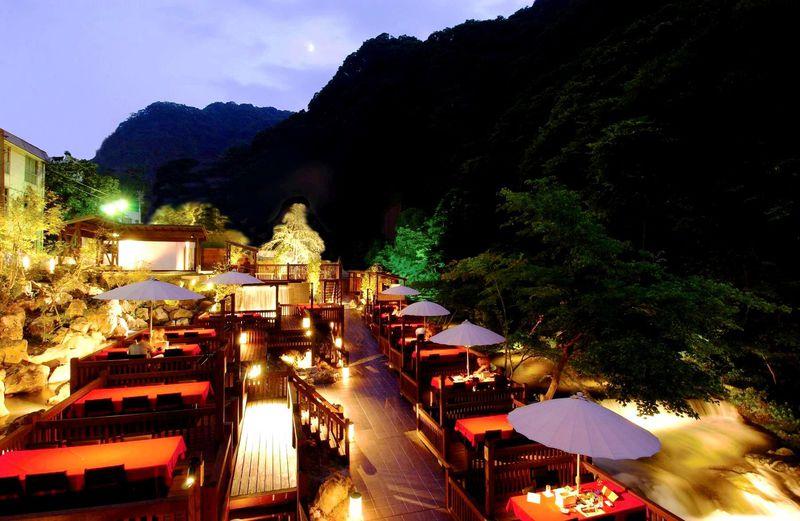 温泉も料理も滝三昧!会津・高級旅館「原瀧」で日常をリセット