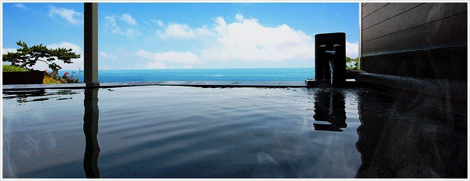 まるで海と一体になったかのような露天風呂!