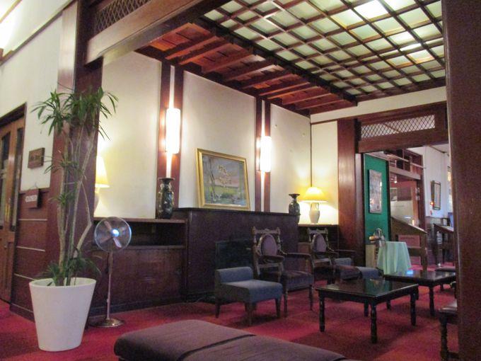 軽井沢の名門クラシックホテル「万平ホテル」へ