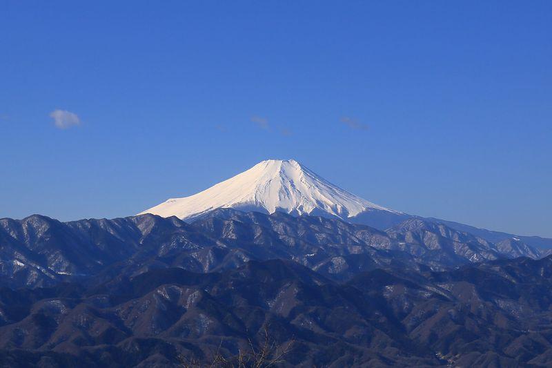 関東一望!JR相模湖駅から陣馬山登山で360°のパノラマを