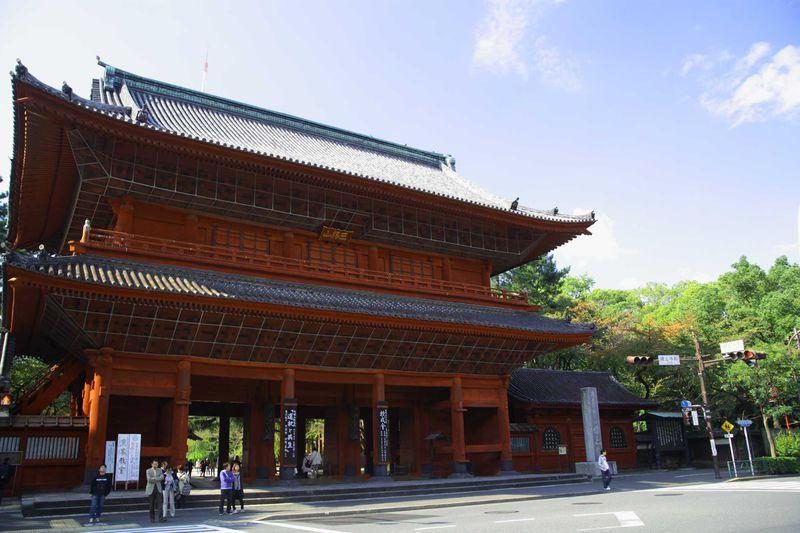 増上寺と東京タワーの「時代」コラボレーションを楽しむ 東京・芝公園