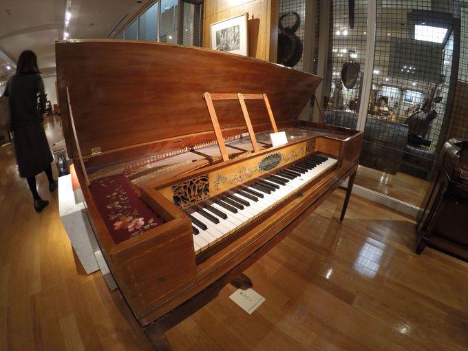 世界的楽器メーカー集結の浜松市にある「浜松市楽器博物館」