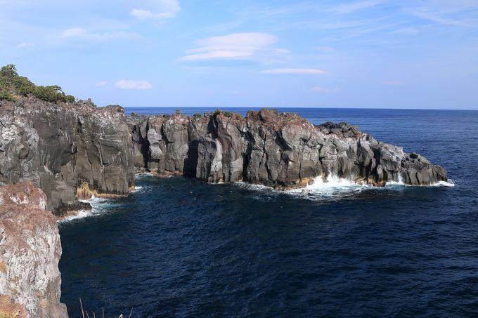 ぜひ訪れたい9kmの浸食された自然景観「城ケ崎海岸」