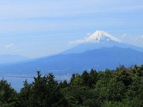3山制覇!駿河湾越しの富士山を眺める静岡縦走トレッキング