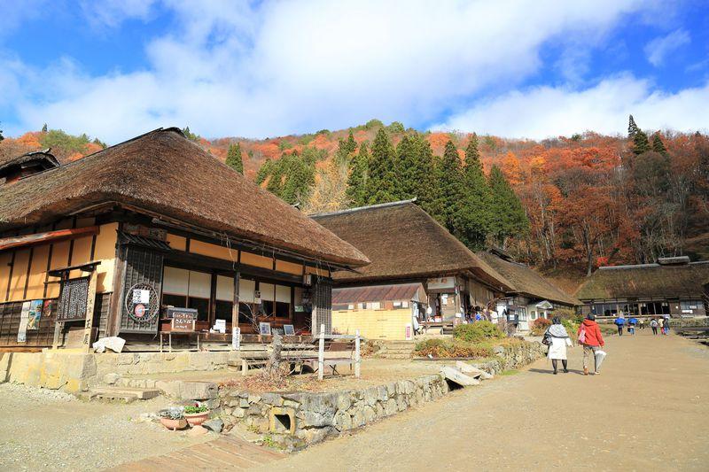 江戸時代の風情!福島会津・大内宿の伝統と紅葉を確かめる旅