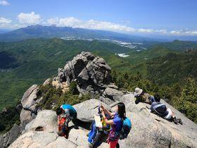 アルプスを愛でる日本百名山!山梨「瑞牆山」のダイナミック登山