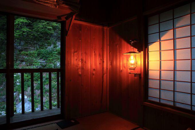 電話、電波、電気もない「山口館」は何かを発見できるランプの宿