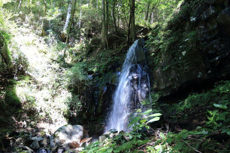 最長コースの「足柄古道口」!恋を成就する縁結びの神社や頼光対面の滝も