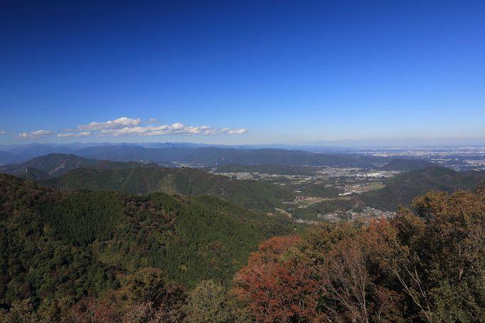 相州アルプス最高峰の仏果山山頂では更なる展望が!