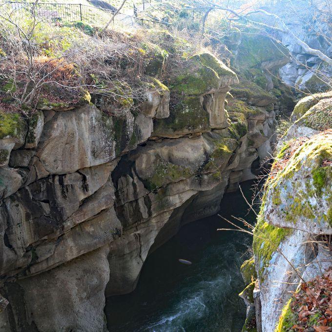 恋人の聖地「磊々峡」は散策にオススメ