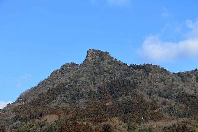 突き出た山頂がマッターホルンと呼ばれる伊予ヶ岳