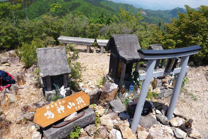 雷神御嶽神社で参拝し山頂の大展望を楽しむ