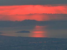 丹沢の名峰「鍋割山」で神奈川の雄大な初日の出を
