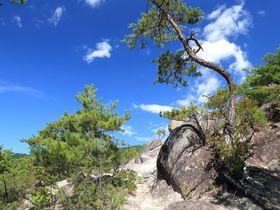 これは必見!山梨・淡雪山の露岩を観る日帰りトレッキング