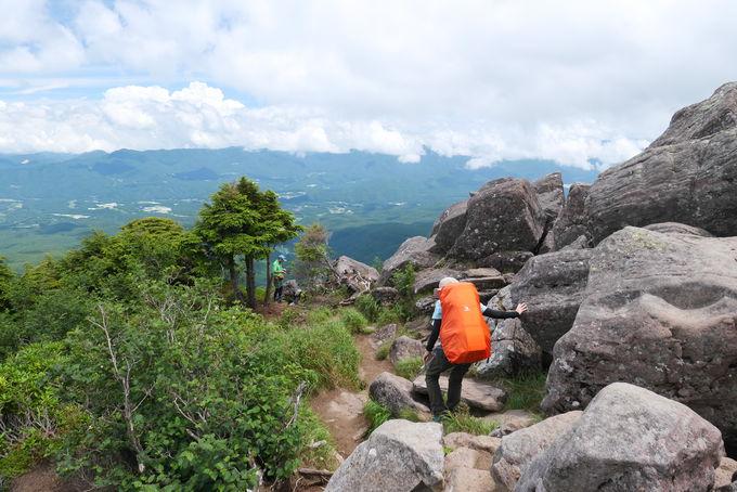 山頂に岩が突き出る「ニュウ」は八ヶ岳の展望台