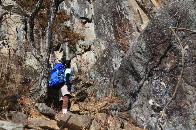 岩場、鎖場が楽しい!山梨県「兜山」ワイルドハイキング
