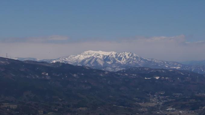 岩櫃山山頂では大絶景のパノラマが