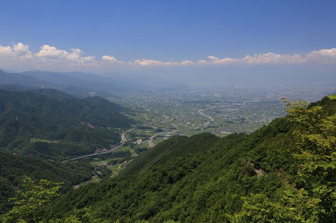 甲州高尾山山頂を経て、大善寺方向へ下る