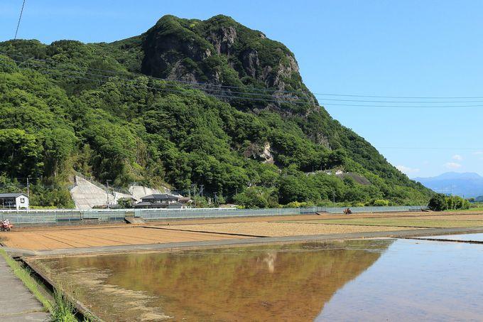 城山(じょうやま)から始まる3山縦走!登山口から大自然が広がるルート