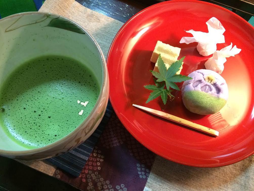 喫茶室で頂く和菓子の盛り合わせ