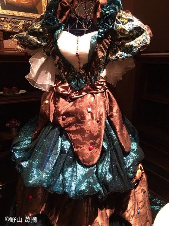 ここでしか着られないチョコレート風ドレス!