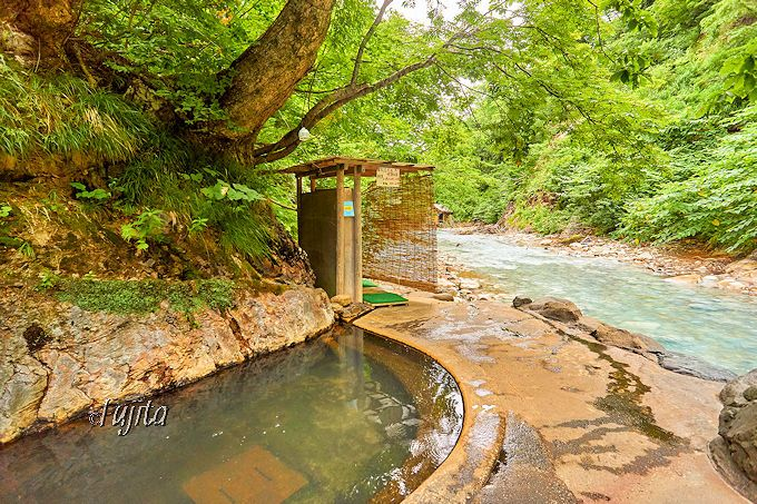 夏油温泉・元湯夏油は渓流露天風呂が大充実!