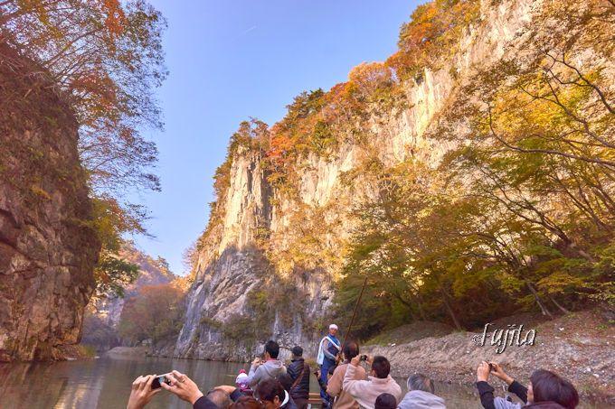 猊鼻渓・壮夫岩の紅葉が一番絶景!