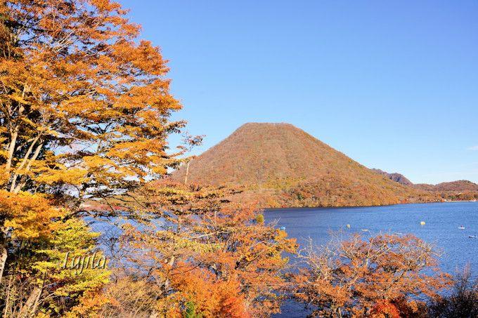 榛名山の紅葉は榛名湖とコラボ!