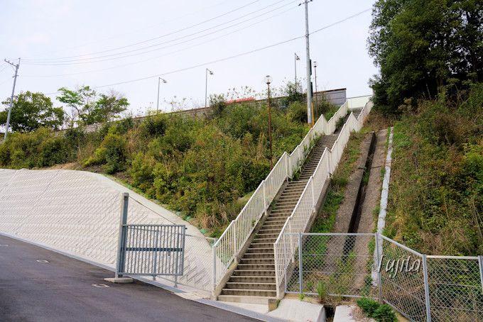 沼田PA下り線から上り線まで徒歩で行けます!