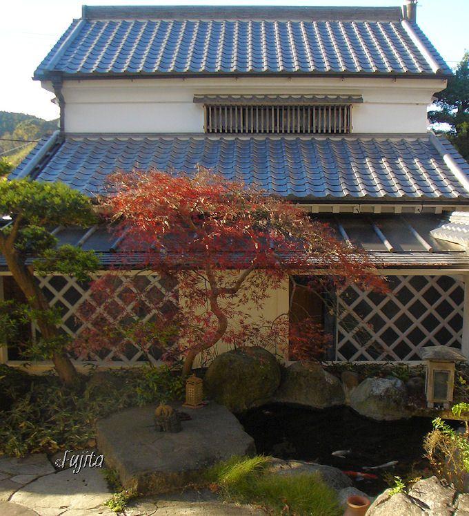 桜田温泉山芳園「木の蔵」は、かわいい蔵造りの離れ