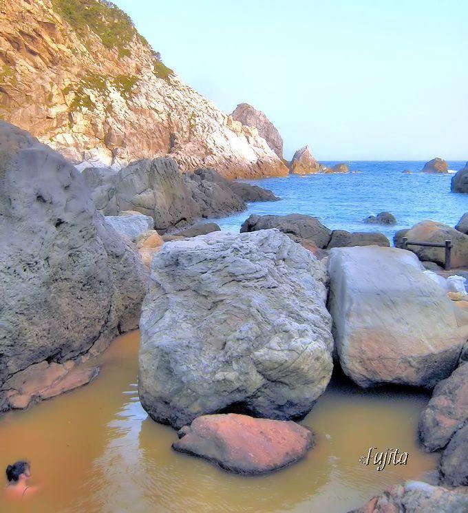 式根島の温泉・第1位「地鉈温泉」