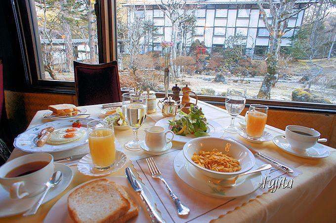 万平ホテルの朝は、軽井沢を感じる散歩が断然おすすめ!