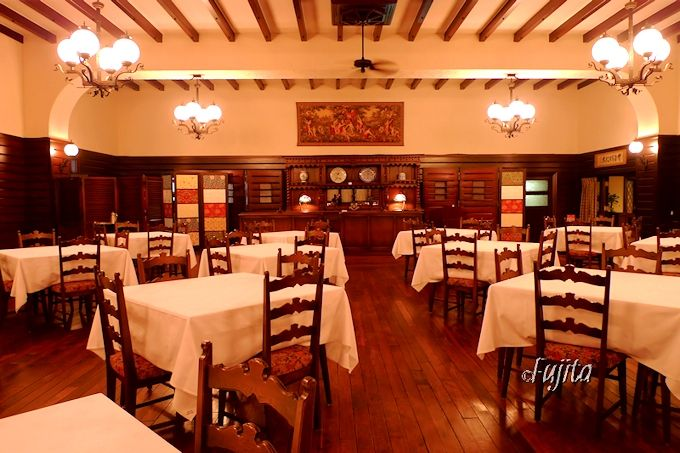 雲仙観光ホテルは、レストランの風情も素晴らしい
