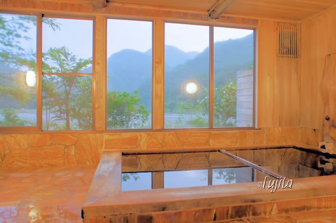 奈良田温泉「白根館」では、ともかく温泉に入ろう