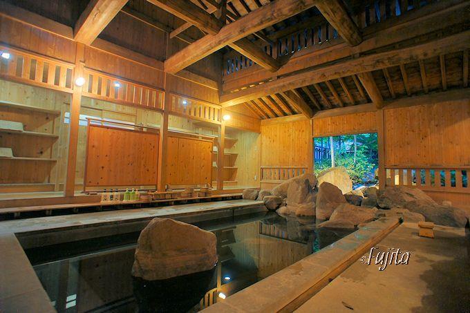 中房温泉には風情が素晴らしい浴場が揃っています!