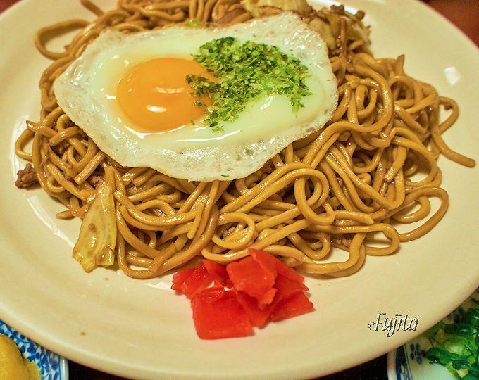 素の「横手焼きそば」なら、食い道楽横手駅前支店もおすすめ!