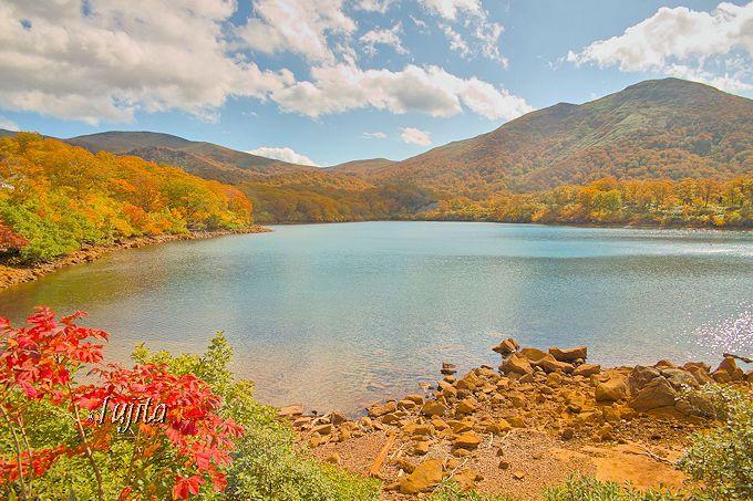 須川湖の紅葉も栗駒山荘から近い!