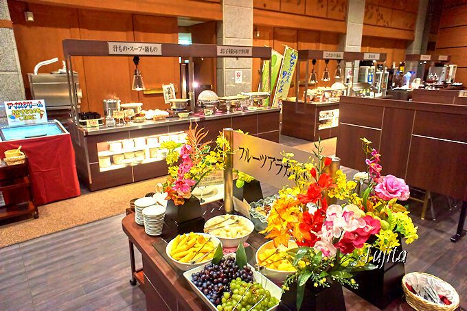 作並温泉岩松旅館の夕食は、和食膳とバイキングから選択