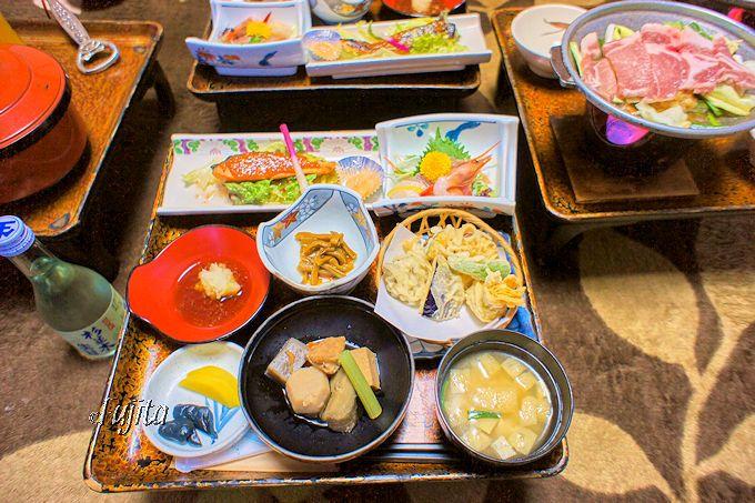 奥塩原温泉(新湯温泉)湯荘白樺の夕食は、部屋食で品数も豊富