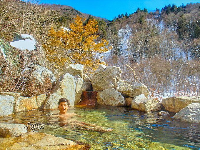 葛温泉・仙人閣で露天風呂から紅葉狩り!