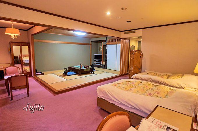わたらせ温泉「ホテルささゆり」は、広々とした和洋室が主体
