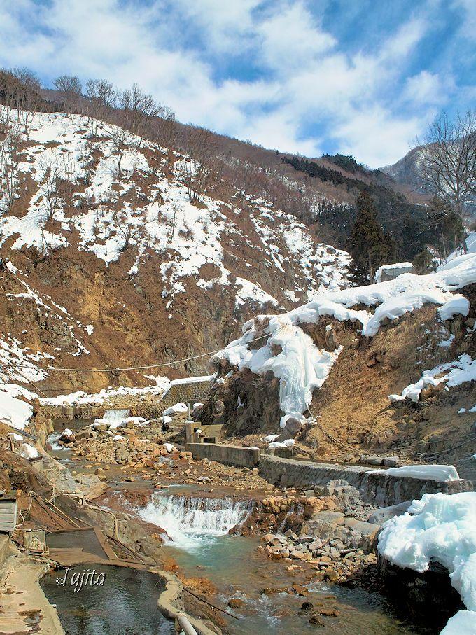 スノーモンキーの後は、地獄谷温泉「後楽館」の雪見露天風呂