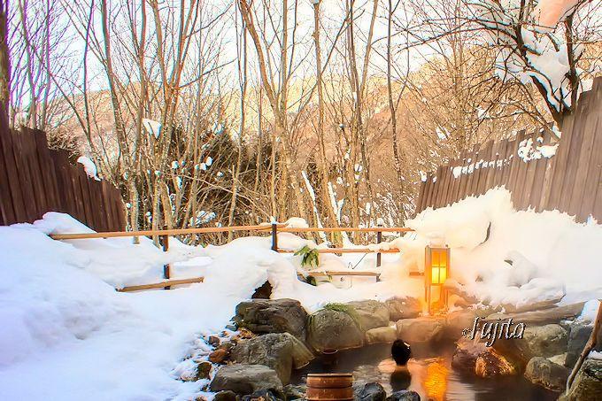 平湯温泉「匠の宿 深山桜庵」の雪見露天風呂