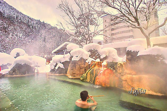 奥飛騨温泉郷・新平湯温泉「奥飛騨ガーデンホテル焼岳」の雪見露天風呂