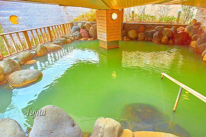 緑色の温泉が美しい!ホテル・フロラシオン那須