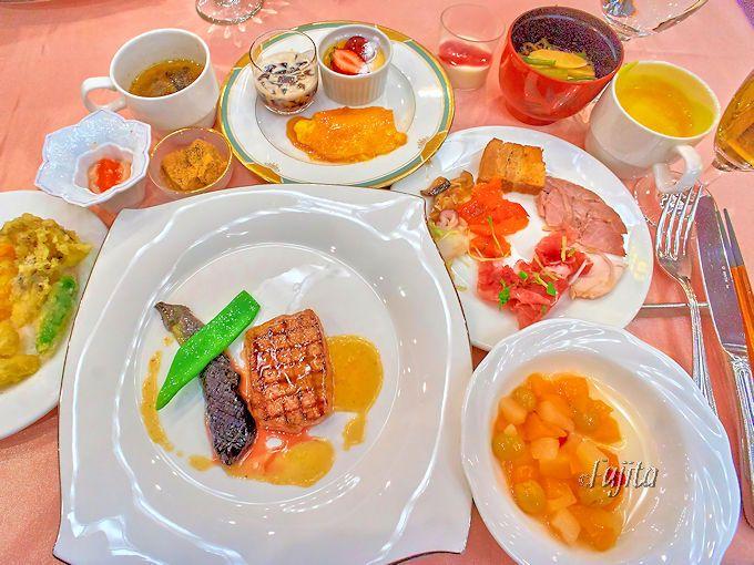 フロラシオン那須の夕食は、豪華なバイキングディナーがおすすめ!