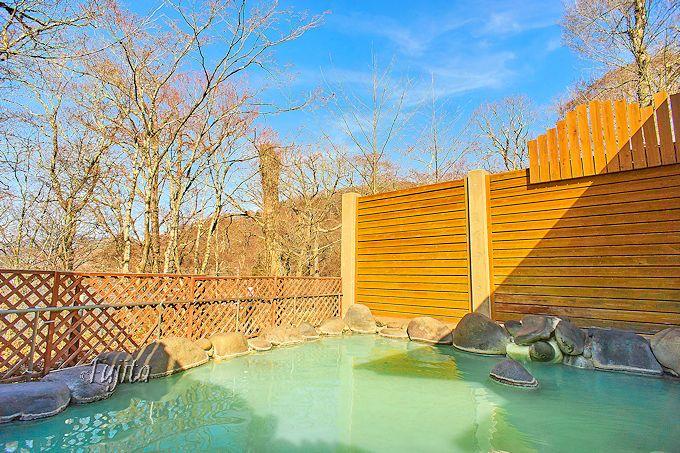 中禅寺金谷ホテルの「空ぶろ」で、本格硫黄温泉を満喫!