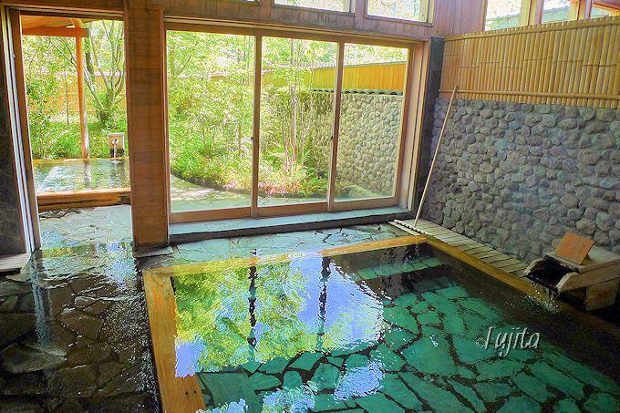 大浴場が美しい!由布院玉の湯