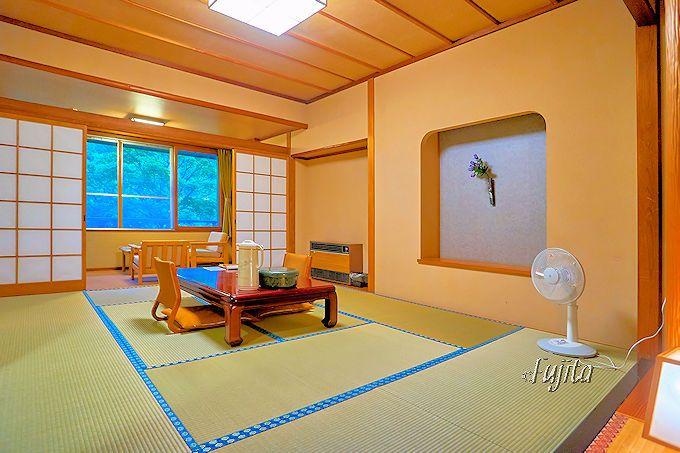 上の湯温泉「銀婚湯」の客室は、西館・東館でも十分に美しい!